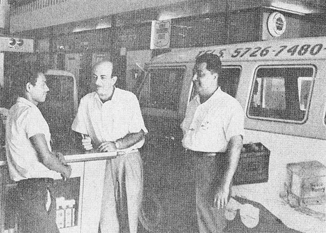 Miguel A. Giacomán (al centro) fundador de Impressa Repuestos